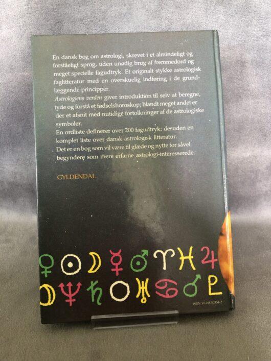 produkt bagside - Astrologiens verden - www.laesehesten-silkeborg.dk